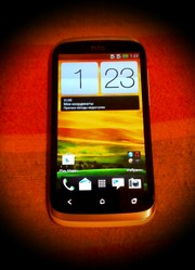 Продам смартфон HTC Desire V