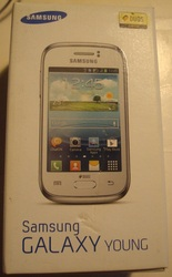 смартфон Samsung Galaxy Young